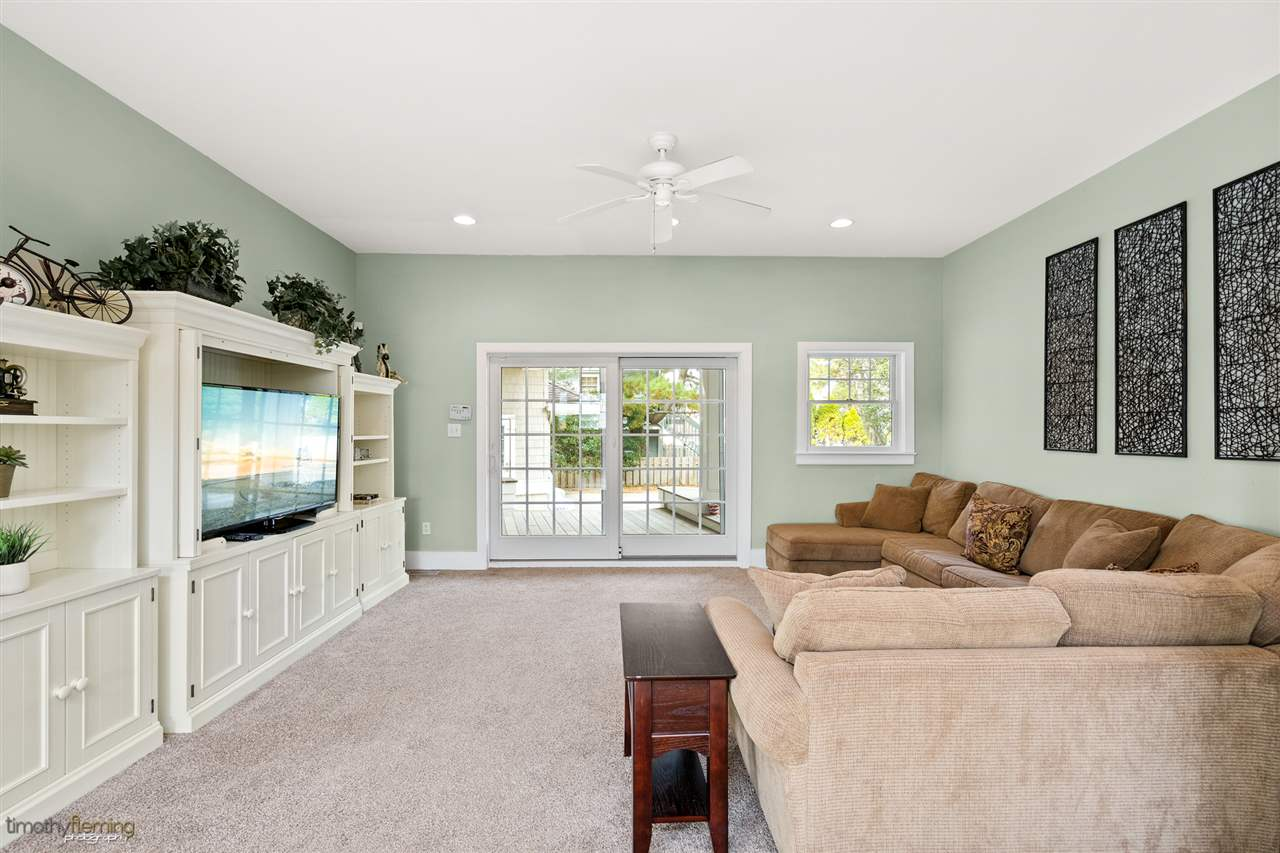 7698 Dune Drive - Picture 4