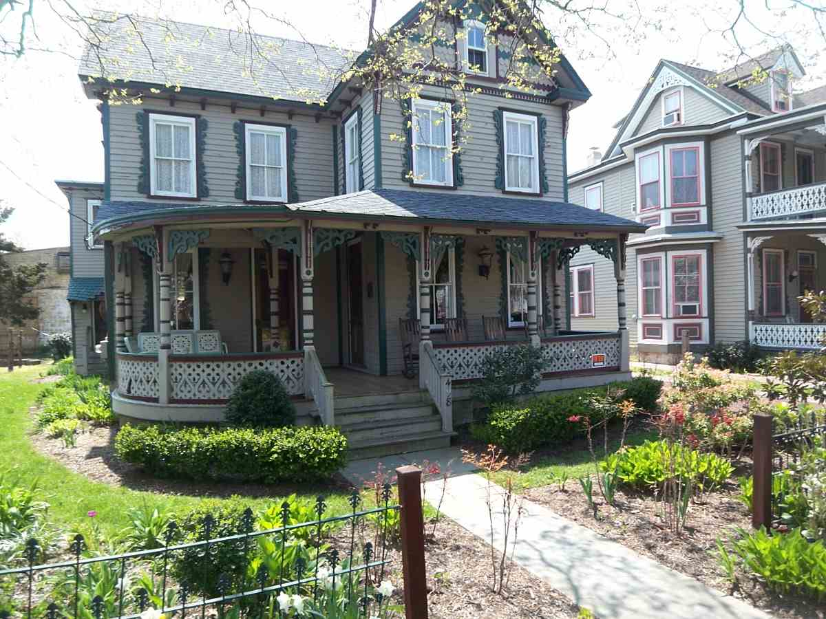 498 W Perry Street, Cape May, NJ 08204