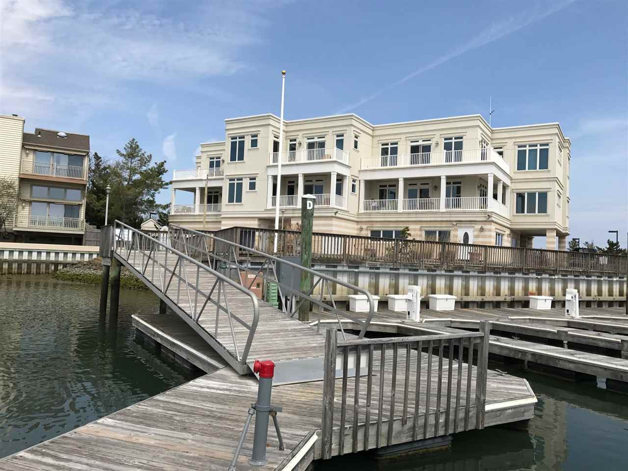 904 Ocean Drive - Picture 1