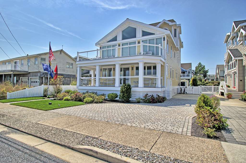 216 6th, Avalon, NJ 08202