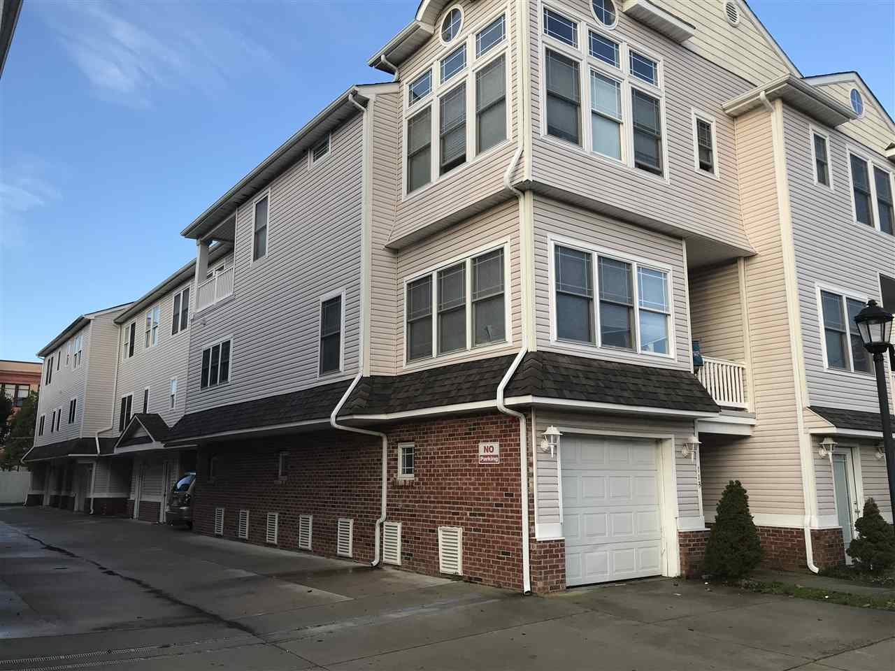 152, Unit 108 out Roberts, Wildwood
