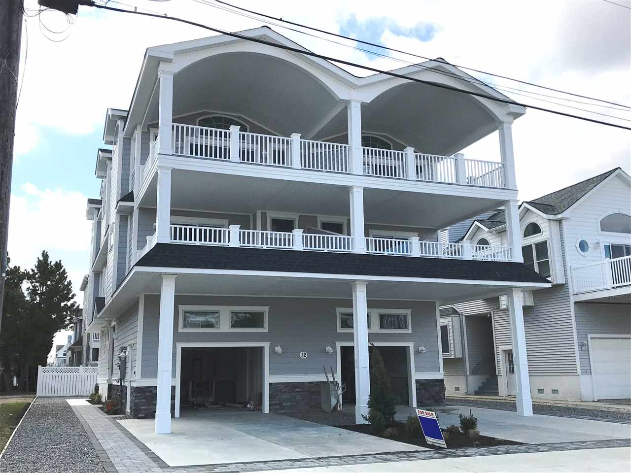 12 East or West 64th Street  - Sea Isle City