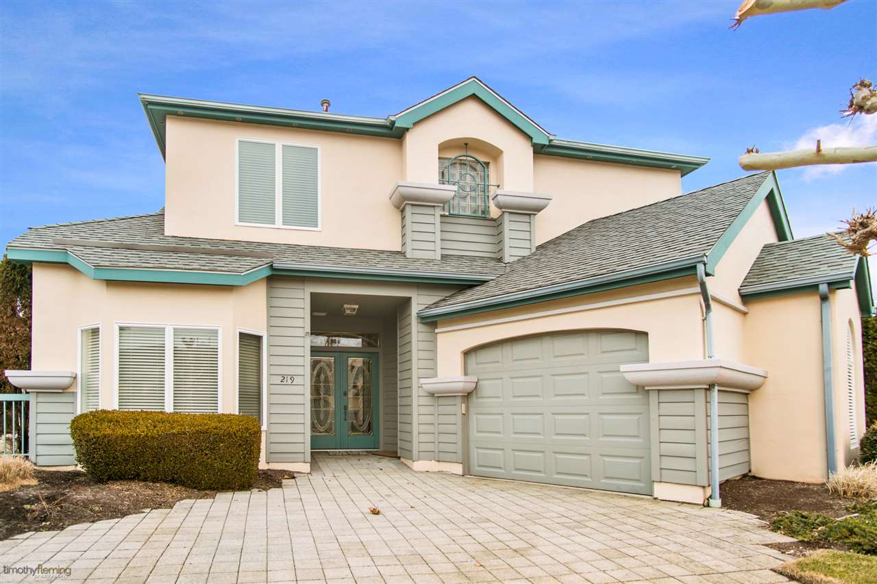 219 Dune Drive - Picture 1