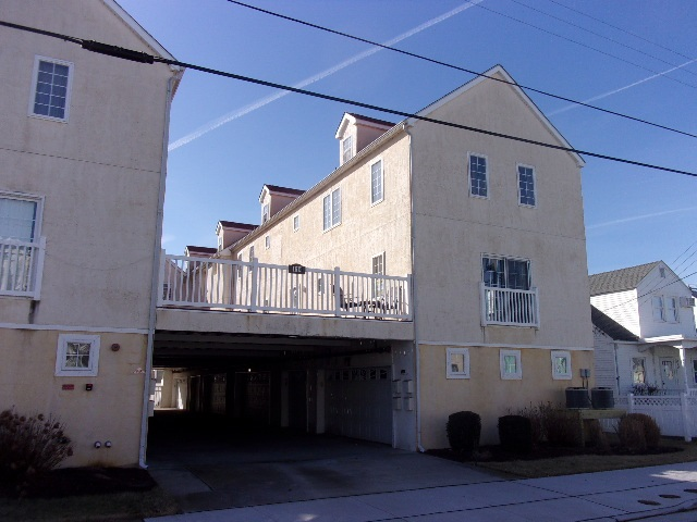 114, Unit 108 Leaming, Wildwood