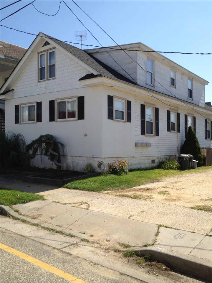 214 JUNIPER AVE, Wildwood