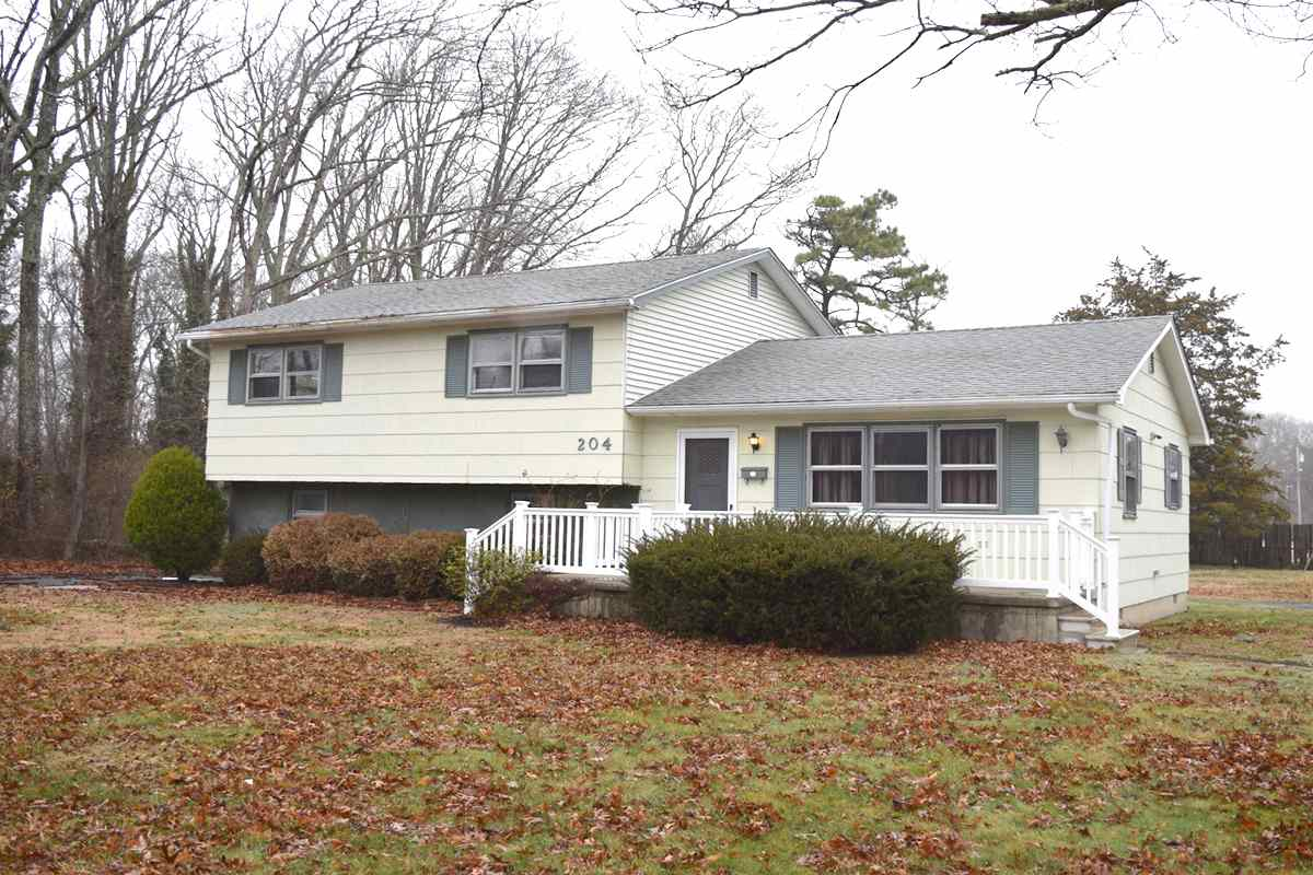 204 W Pacific Avenue - Cape May Court House