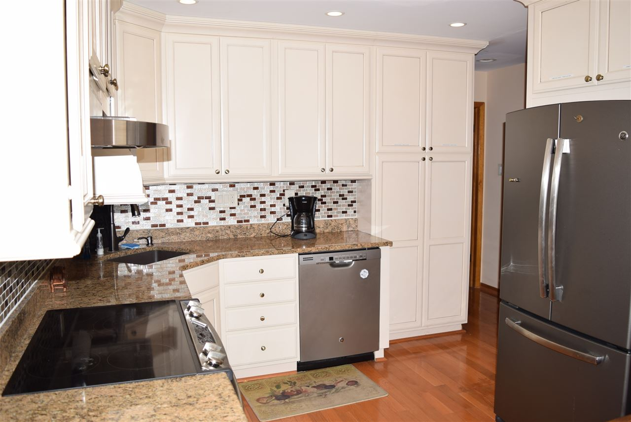 129 89th Street - Picture 16