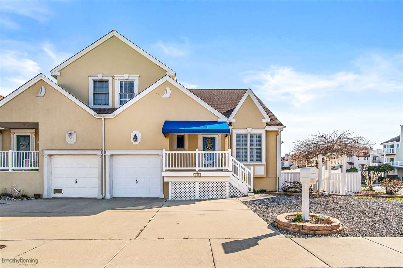 231 E Raleigh Avenue - Lower Township
