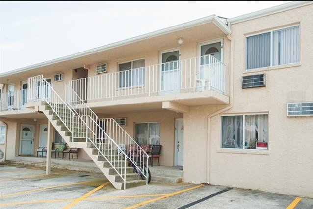 5407 Pacific, Wildwood