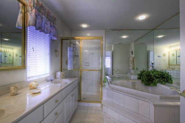 902 Ocean Drive - Picture 13
