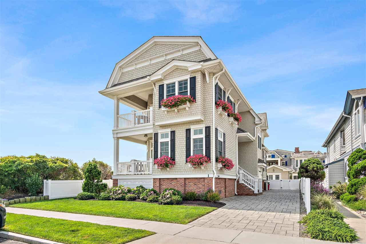 1 108th, Stone Harbor, NJ 08247