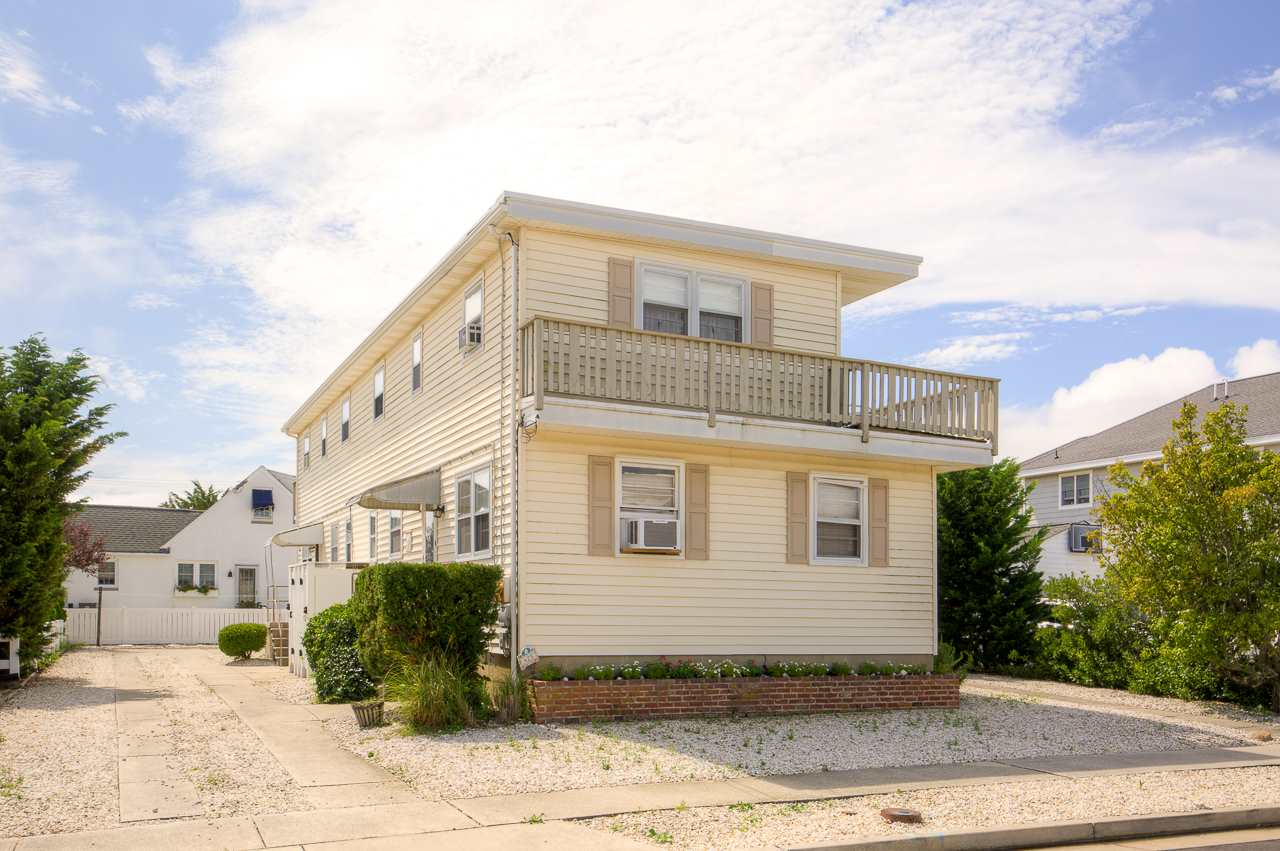 425 99th Street - Picture 1