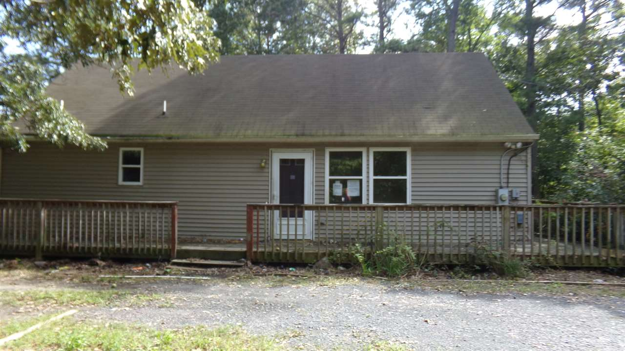 282 Indian Trail  - Picture 1
