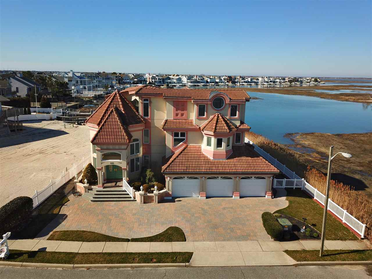 606 42nd, Avalon, NJ 08202