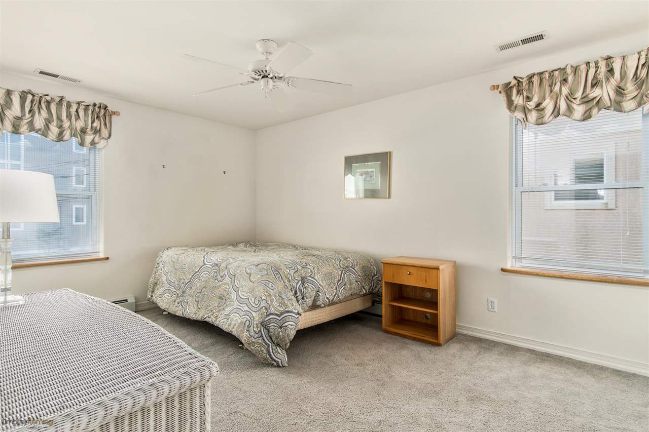 756 21st Street - Picture 17