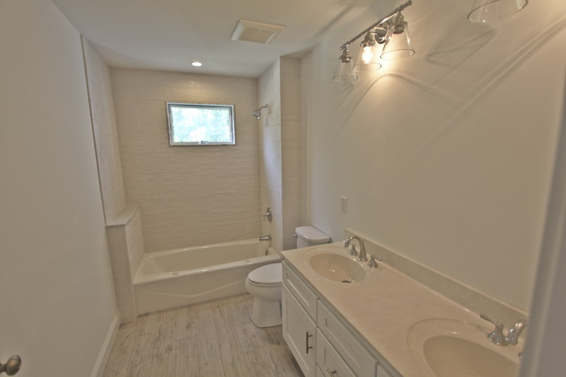 136 W Wisteria Road - Picture 14
