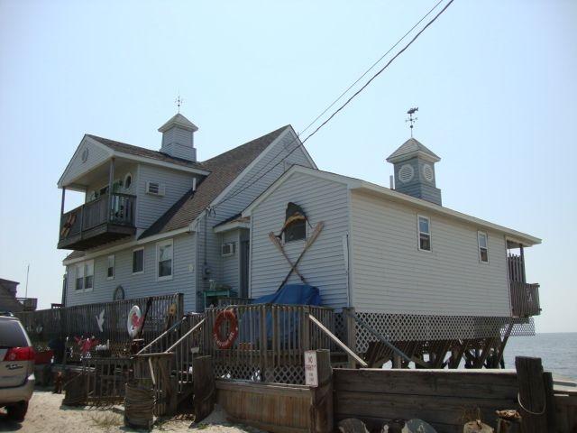 27 S Beach Avenue - Picture 1