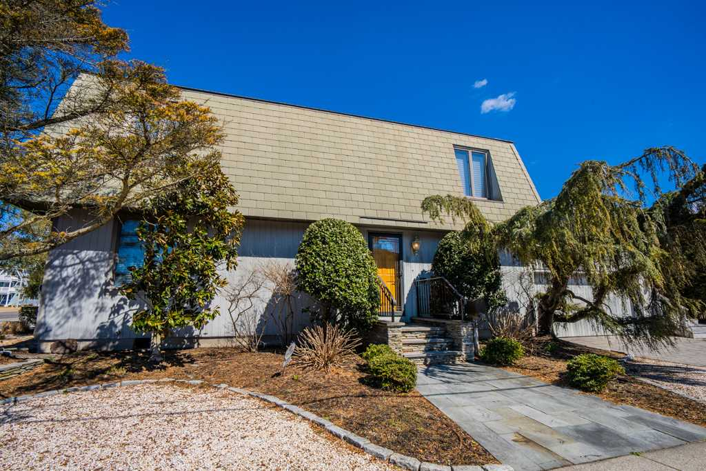 3985 Dune Drive - Picture 2