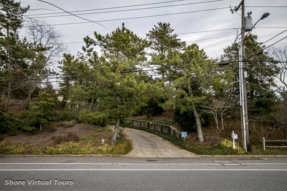 5609 Dune Drive  - Picture 4