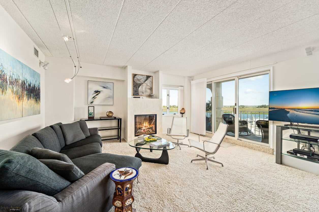 1100 Ocean Drive - Picture 2