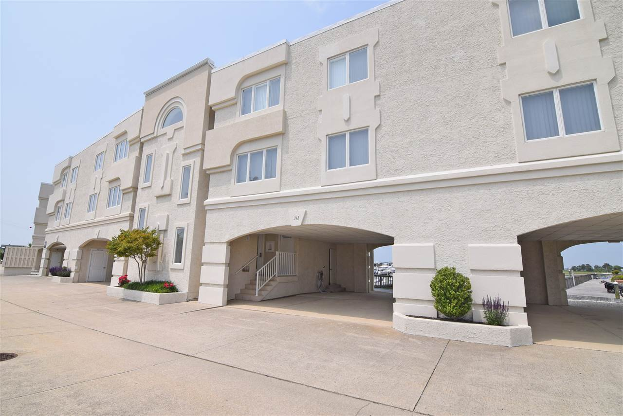 1100 Ocean Drive - Picture 1