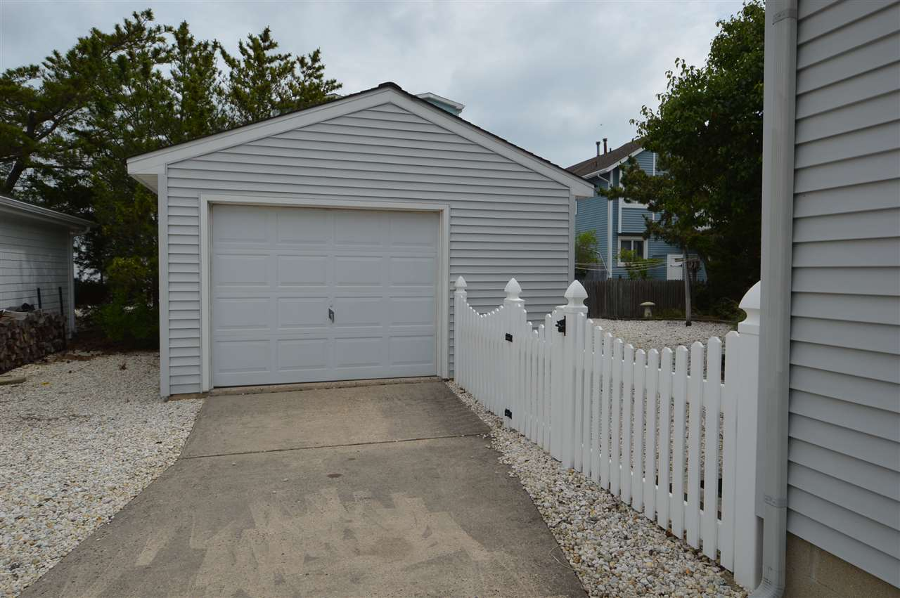 251 46th Street - Picture 19