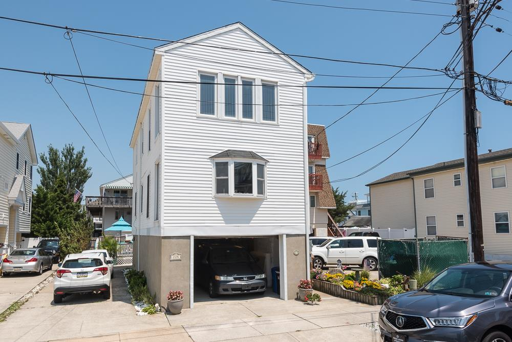 225 87th Street - Picture 14