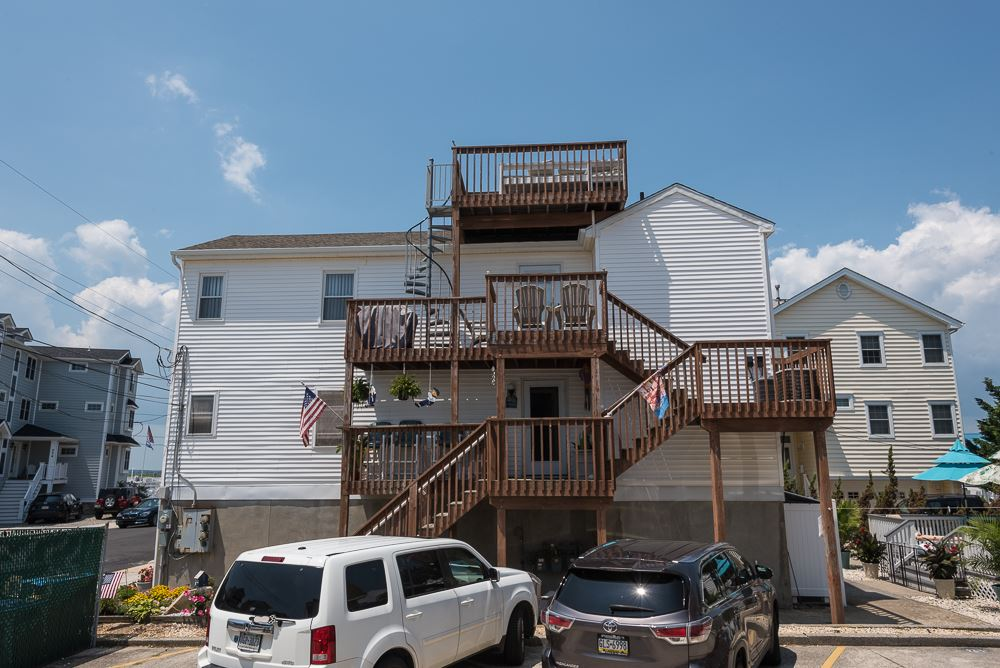 225 87th Street - Picture 24