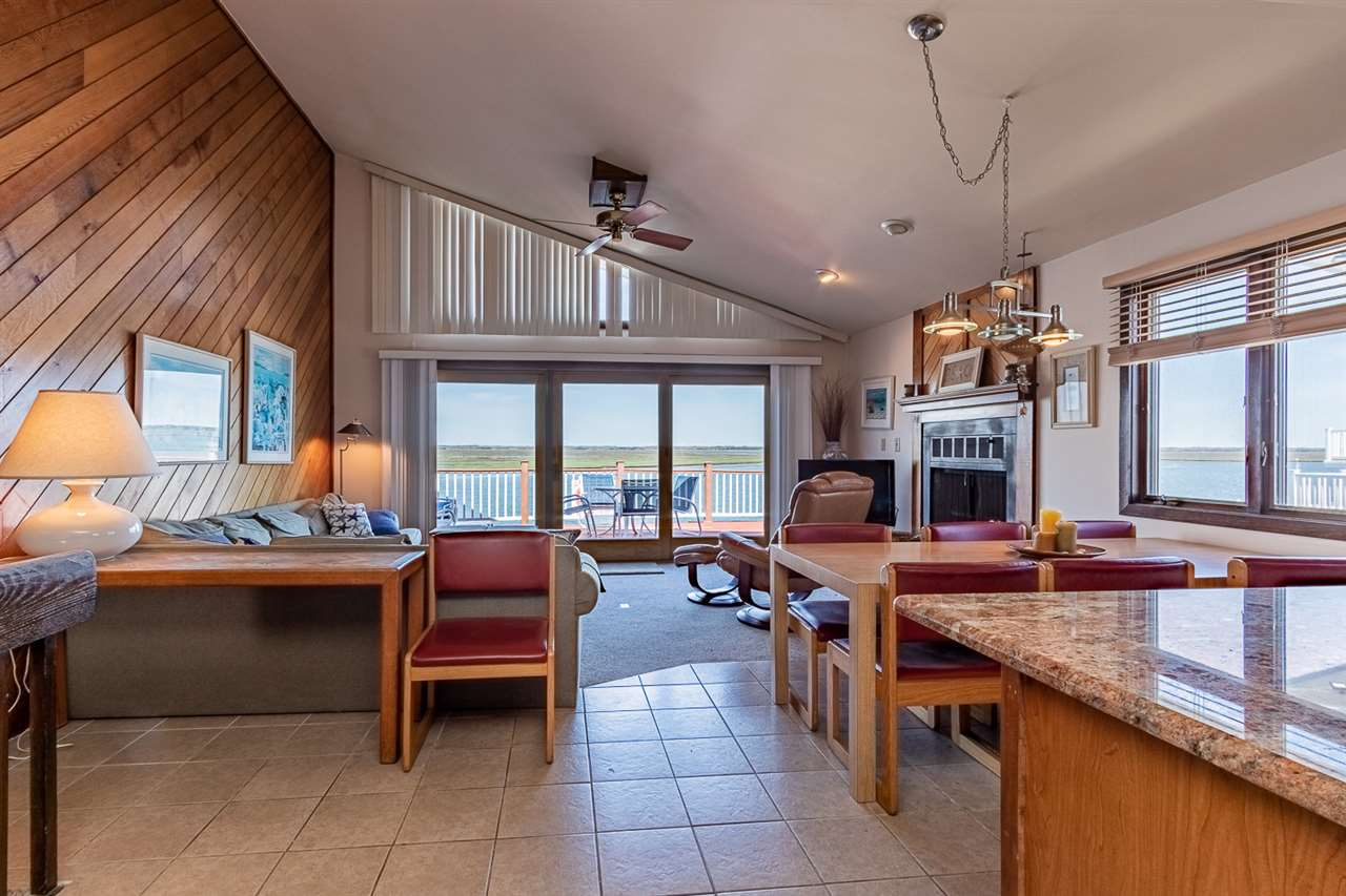 7722 N Roberts  - Picture 4