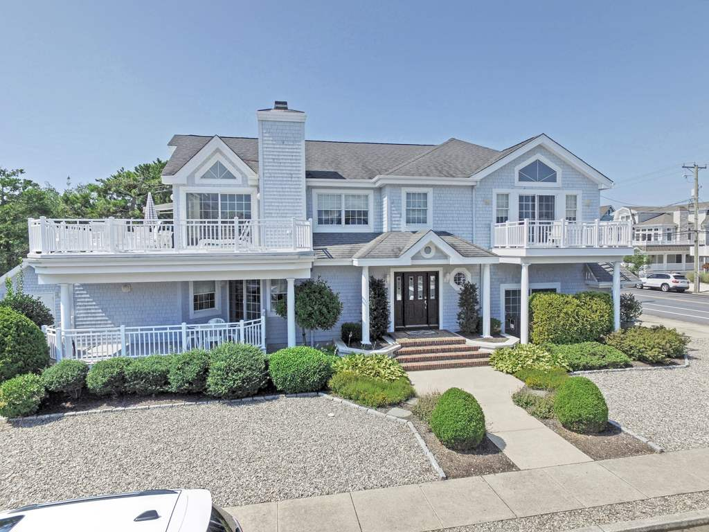 88 32nd, Avalon, NJ 08202