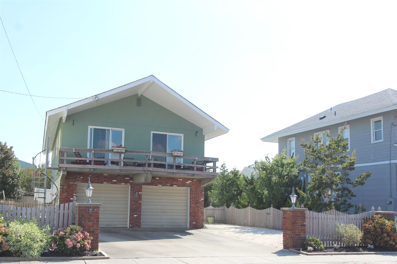 275 100 Street - Picture 1