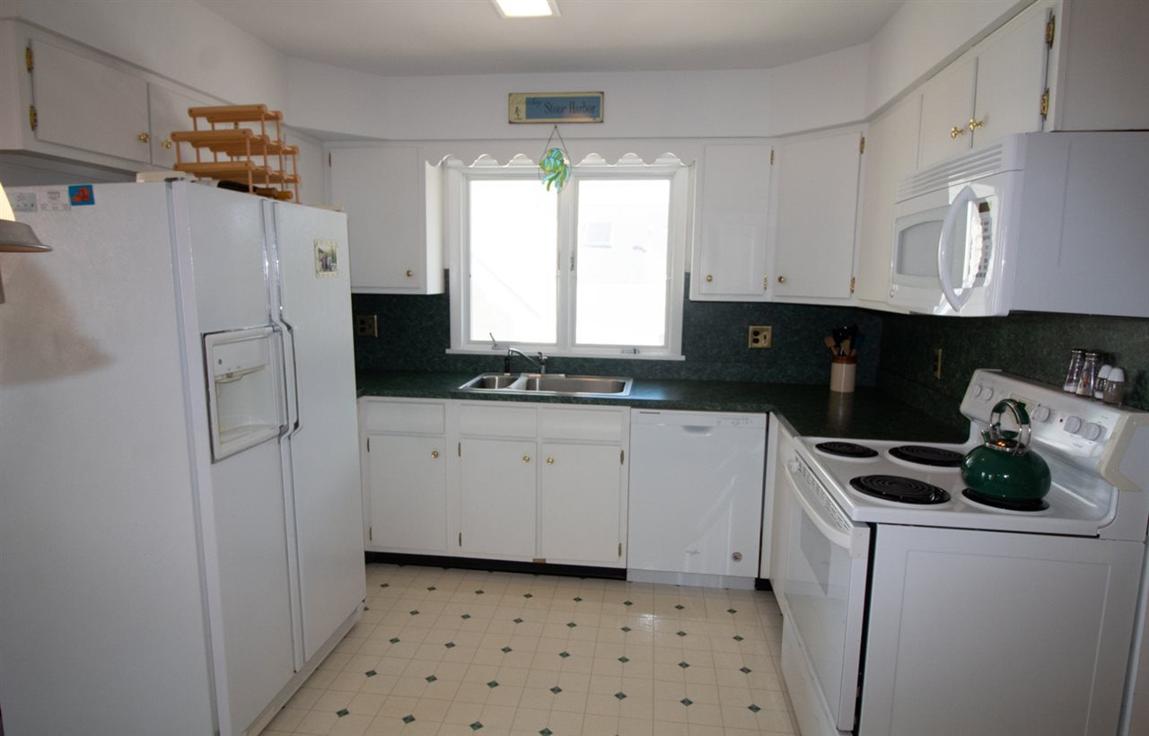 275 100 Street - Picture 9