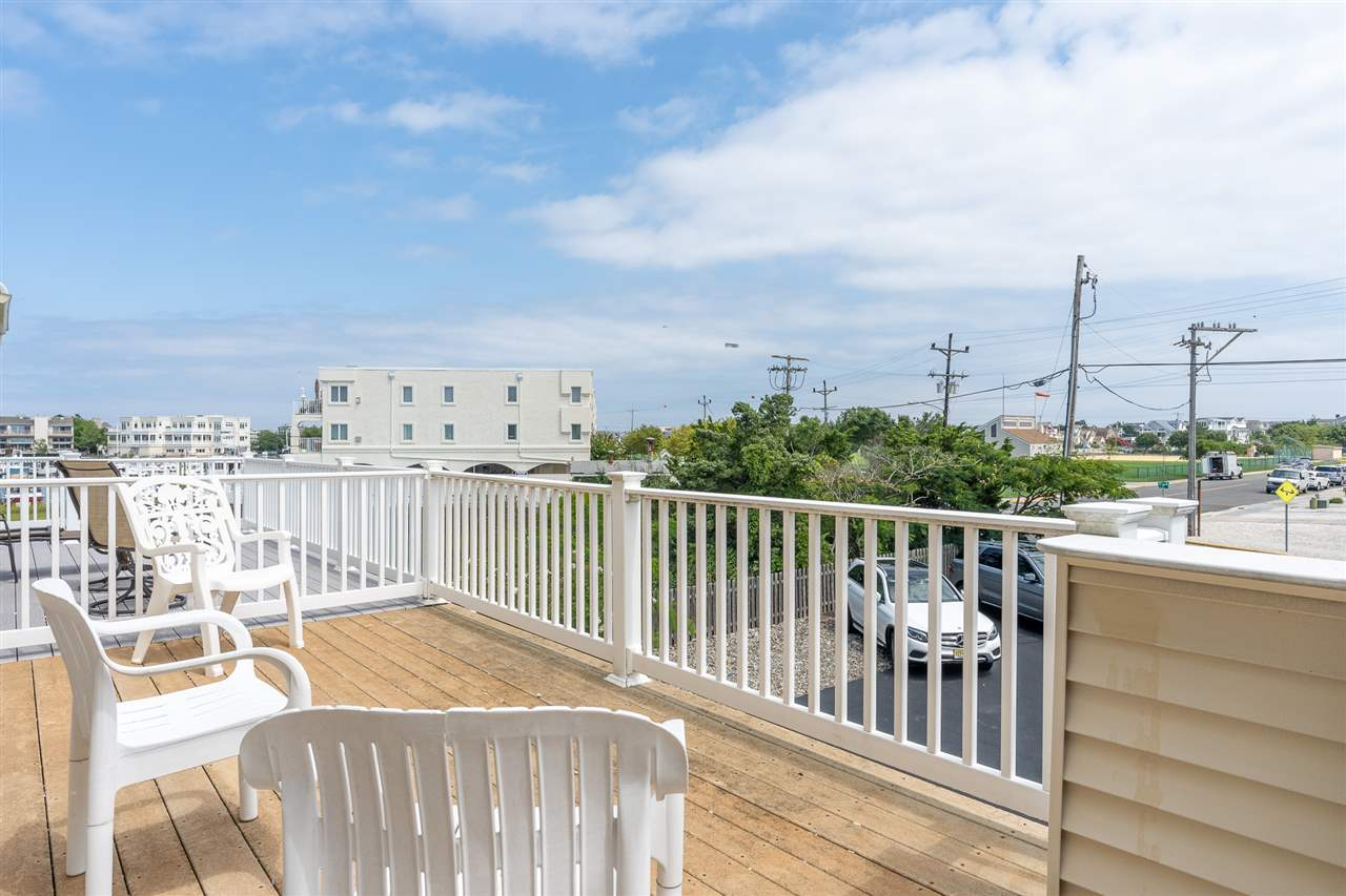 1210 Ocean Drive - Picture 24