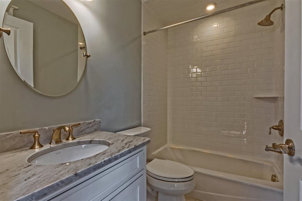 76 W 19th Street - Picture 12