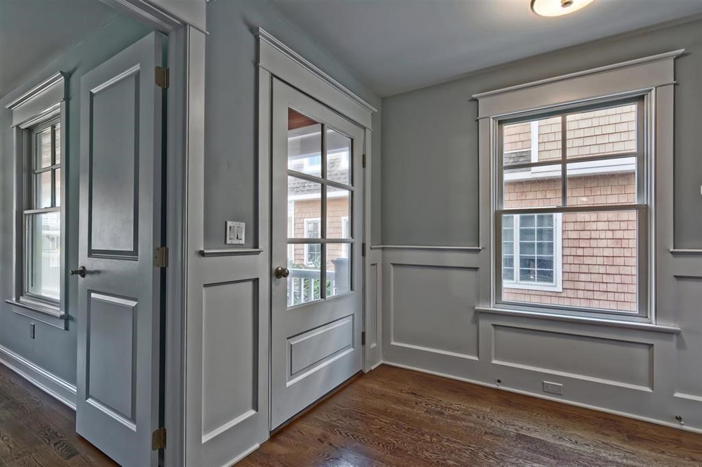 76 W 19th Street - Picture 3
