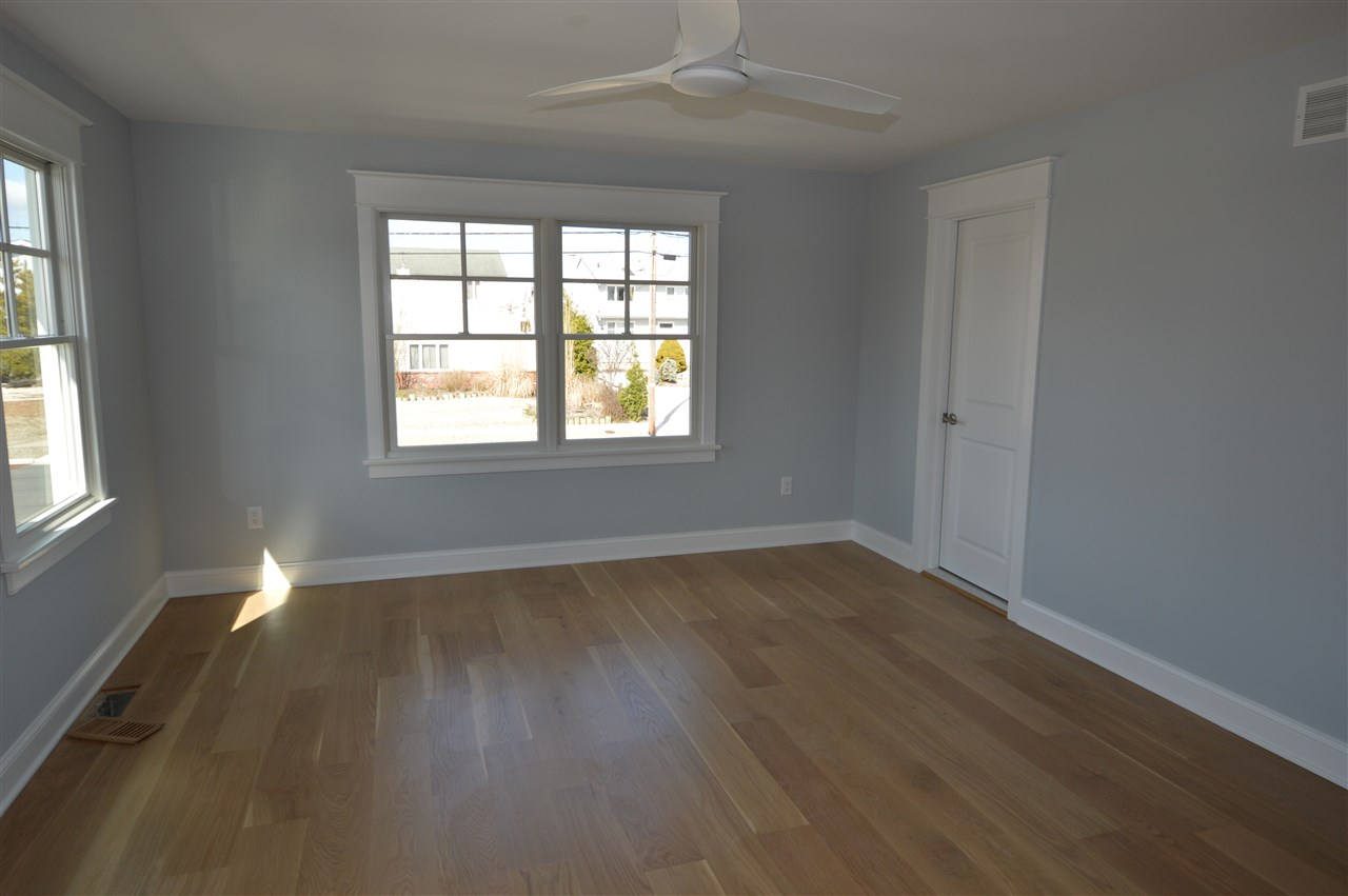 291 44th Street - Picture 4