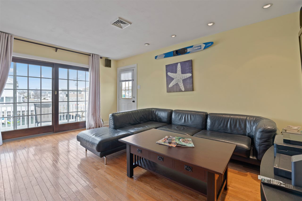 2110 Ocean Drive - Picture 14
