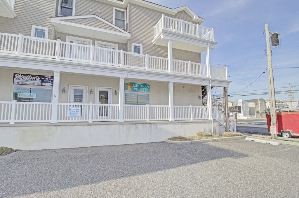 2101 Ocean Drive - Picture 4