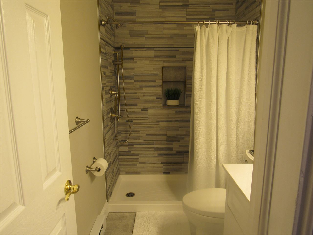 115 67th Street West  - Picture 13