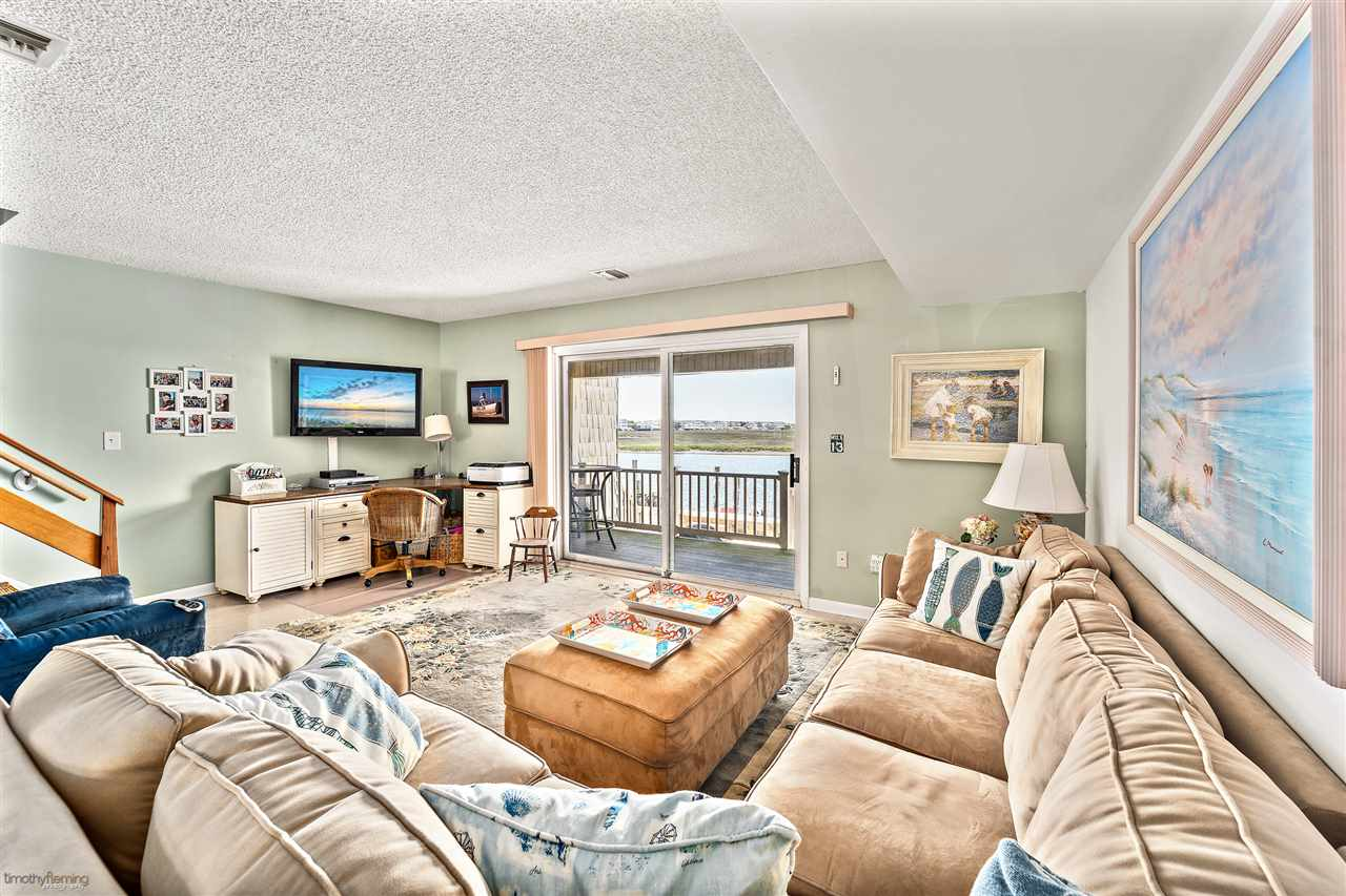 1574 Ocean Drive - Picture 5