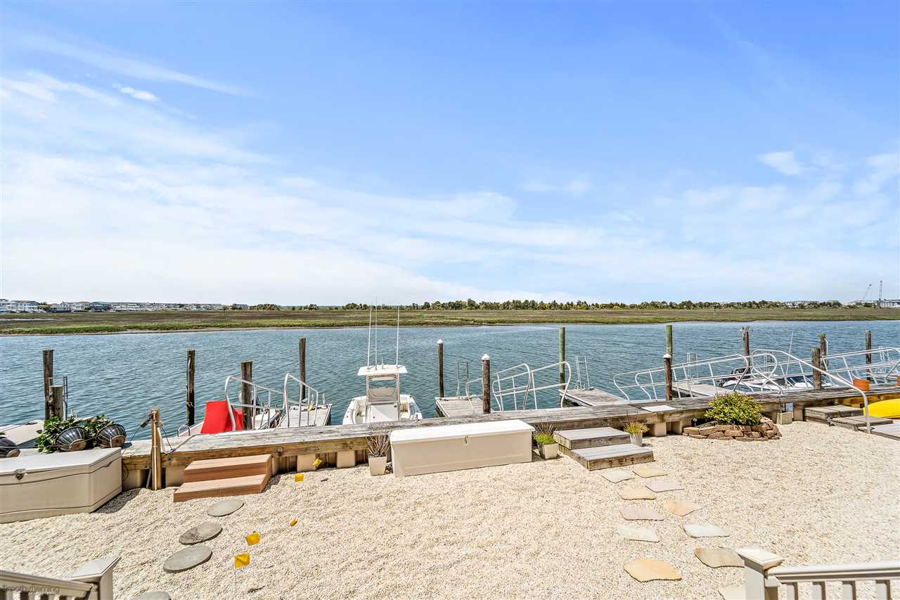 1574 Ocean Drive - Picture 9