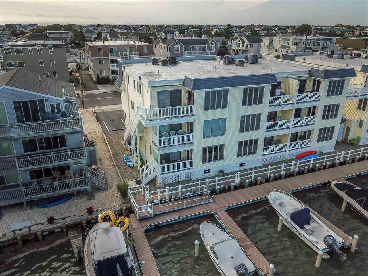 1668 Ocean Drive - Picture 19