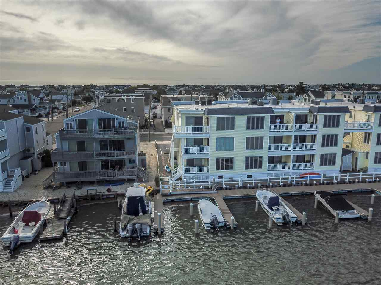 1668 Ocean Drive - Picture 20
