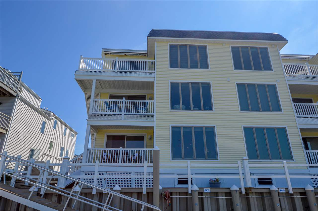 1668 Ocean Drive - Picture 24