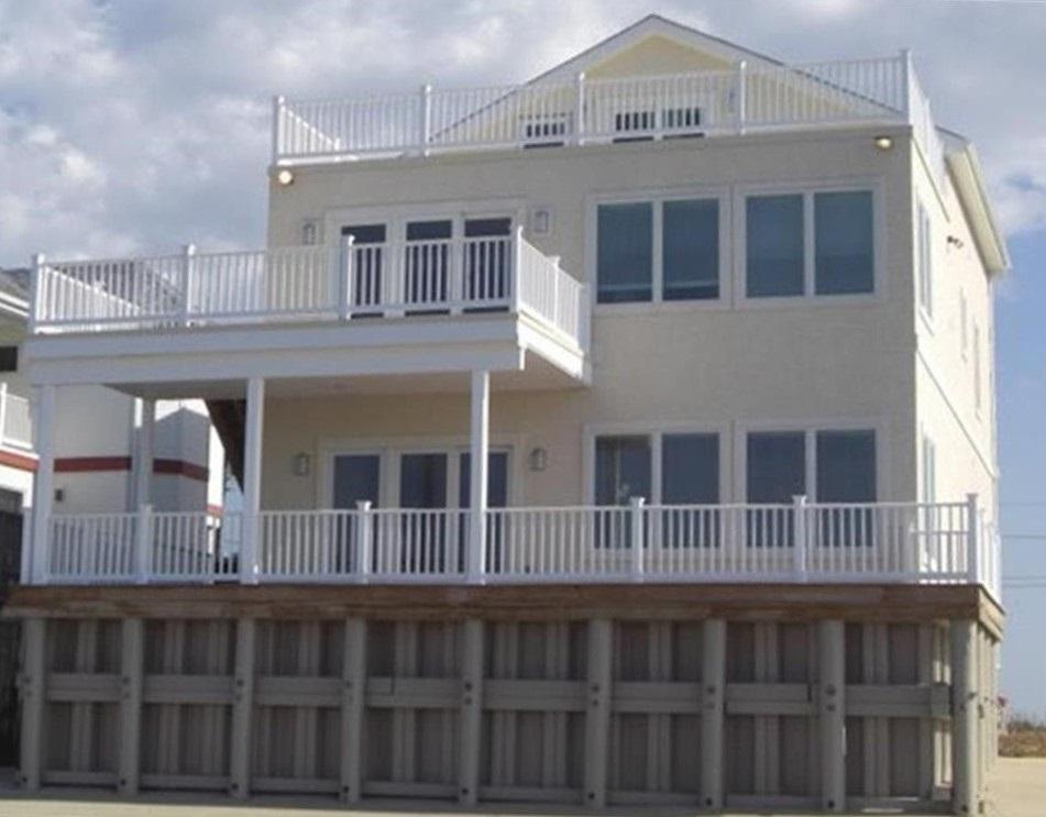 145 Beach Avenue - Picture 1