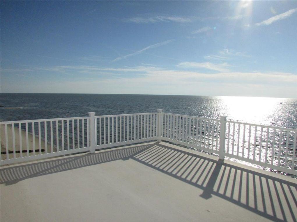 145 Beach Avenue - Picture 4