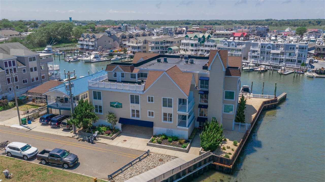 1415 Harbor Lane - Picture 1