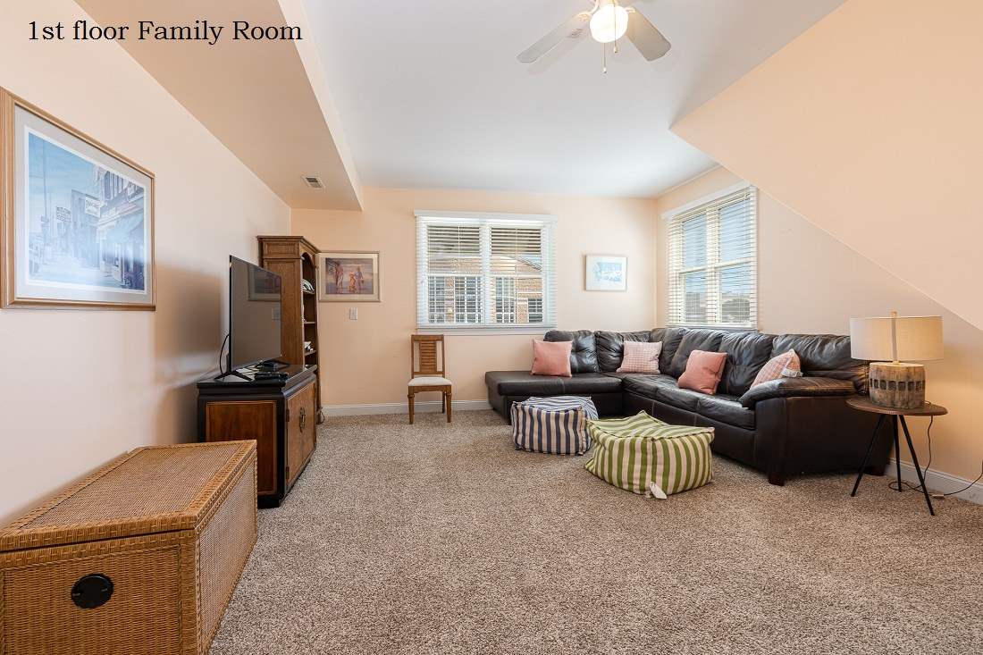 276 32nd Street - Picture 2