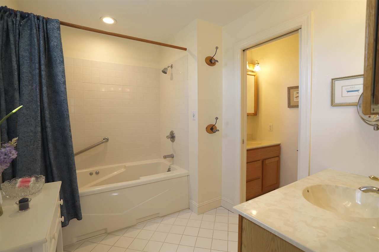 272 74th Street - Picture 24
