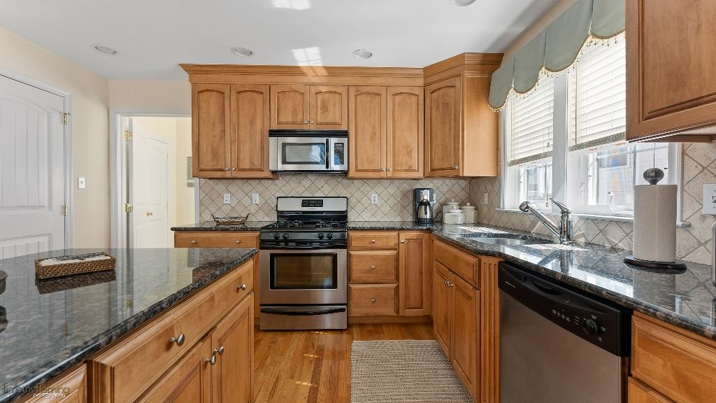 137 71st Street - Picture 9